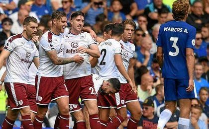 El Burnley amarga el estreno de Morata en la Premier (2-3)