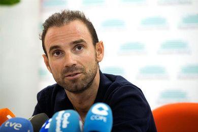 Valverde ya hace rodillo tras recibir el alta de la operación tras su caída en el Tour