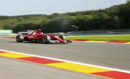 Kimi delante de Hamilton y Vettel en el primer ensayo; Sainz, 7 y Alonso, 13