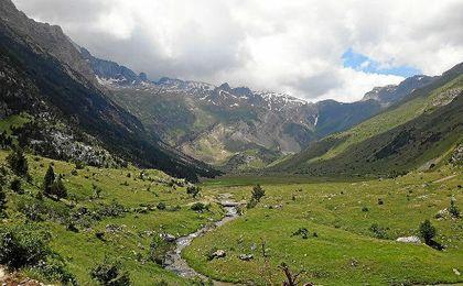 Esquiar en el Pirineo aragonés, un placer para los sentidos