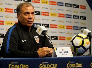 Arena convoca a 26 jugadores de EE.UU. para enfrentar a Costa Rica y Honduras