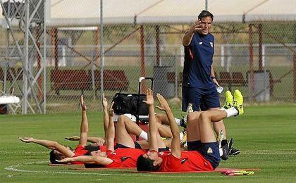 El Sevilla vuelve al trabajo con la ausencia de los internacionales
