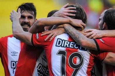 Estudiantes vence a Arsenal y lidera junto a Boca, River y otros seis equipos