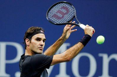 Federer pone suspense; Nadal arrolla; la lluvia no deja jugar
