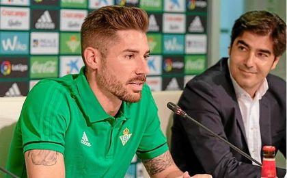 El centrocampista pide prudencia a la afición e ir partido a partido.