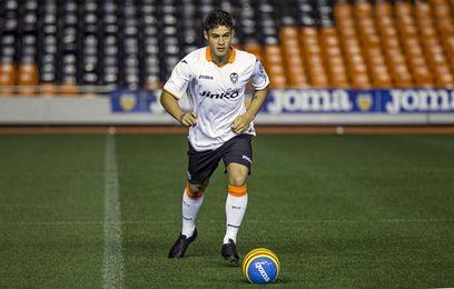 El Valencia rescinde el contrato del delantero brasileño Vinicius Araujo