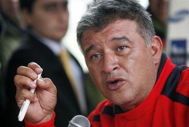 """Borghi dice que Sampaoli """"vino a vender humo"""" y """"no es buena gente"""""""