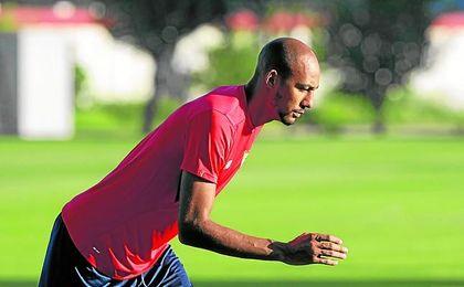 N´Zonzi, que no jugó en Getafe a la espera de su posible salida, vuelve al once. Sin duda, el mejor ´fichaje´ del Sevilla.
