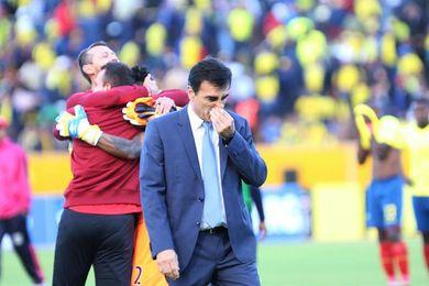 La Federación de Ecuador sigue a la espera de que Quinteros renuncie a la selección