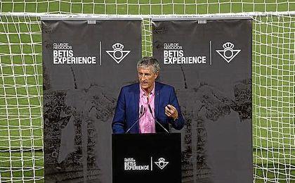 Quique Setién, en su intervención en el acto de Betis Experience.
