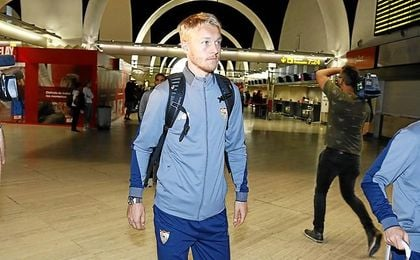 Simon Kjaer, momentos antes de partir hacia Liverpool.