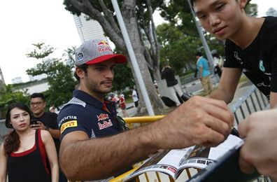 Carlos Sainz se une al equipo Renault para la próxima temporada