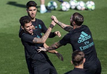 Zidane, contento con Ceballos, no desvela si será titular ante el Betis