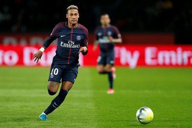 Neymar, con trato de jefe de Estado en su mansión parisina, dice París Match