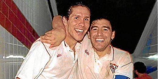 Simeone y Maradona, cuando coincidieron en Nervión.