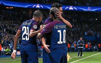 Cavani y Neymar volvieron a abrazarse.
