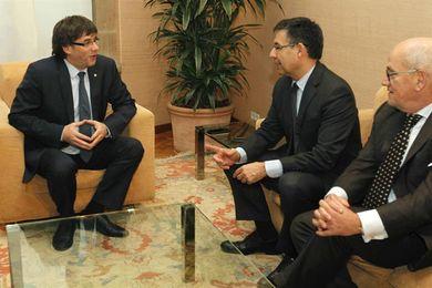 Dimite el vicepresidente Vilarrubí en desacuerdo con la decisión de jugar el partido