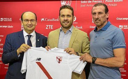 Arias, en la presentación de Tevenet como entrenador del Sevilla Atlético.