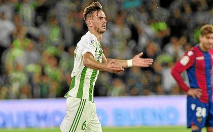 Fabián, en el partido de Liga ante el Levante.