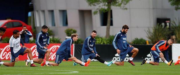 Messi y Dybala se suman al seleccionado y Mascherano se perfila como suplente
