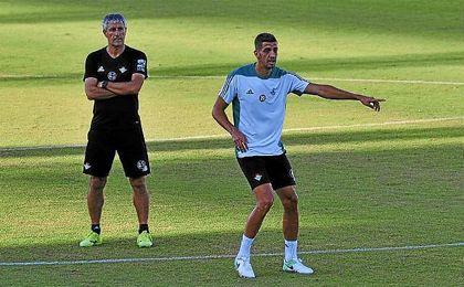 Feddal, en un entrenamiento con el Betis.