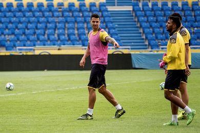 Vitolo ya realiza carrera continua y espera incorporarse pronto al grupo