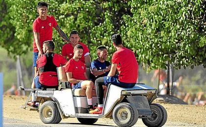 Correa, con sus compañeros en un entrenamiento.