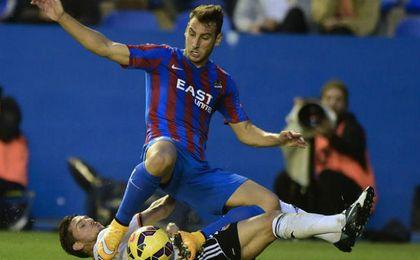 Iván López se rompe el ligamento cruzado de la rodilla izquierda