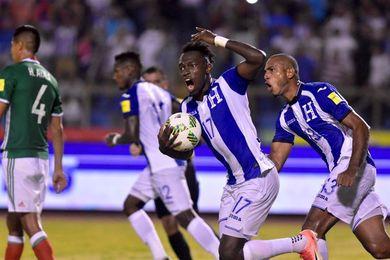 3-2. Honduras vence a México y va a la repesca contra Australia
