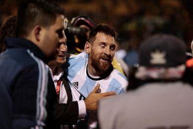 """Todos los elogios para """"Messi-as"""" y poco espacio dan los diarios a la Tri de Ecuador"""