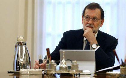 Rajoy aplica el 155 y pide a Puigdemont que aclare si declaró la indepencia o no