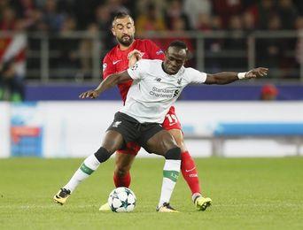 Sadio Mané, del Liverpool, estará seis semanas de baja por lesión