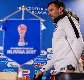 El técnico de Nueva Zelanda cree que tienen opciones de superar a Perú