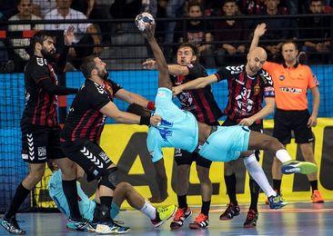 27-24. Sterbik y la defensa del Vardar ahogan al Barcelona