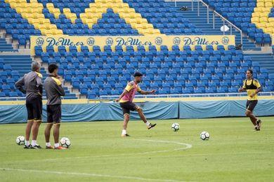 La UD Las Palmas ensaya las jugadas de estrategia antes de recibir al Celta