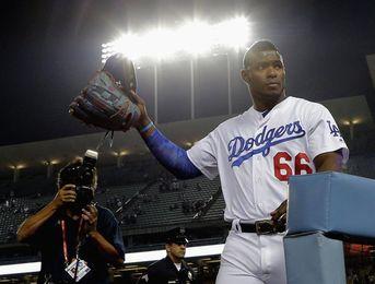 5-2. Puig y Taylor ponen a los Dodgers con ventaja al conectar sendos jonrones