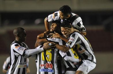 Tauro F.C. y Árabe Unido están firmes hacia las semifinales del fútbol en Panamá