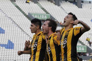 Guaraní toma provisionalmente el liderato del fútbol en Paraguay, tras vencer al Libertad