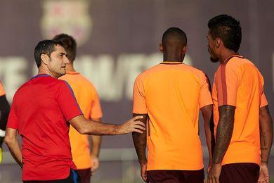 Paulinho, Digne, Deulofeu y Roberto entran en el once inicial del Barcelona