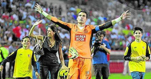 Palop, en su último partido con el Sevilla en 2013.