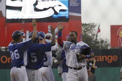Las Estrellas vencen a los Leones y siguen firmes en la cima del béisbol dominicano