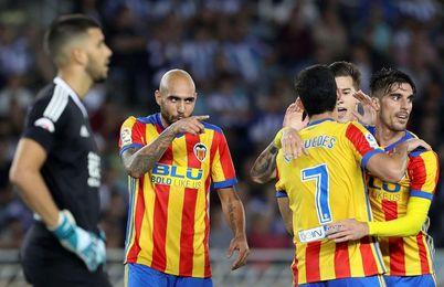 Zaza, a un partido de suspensión en el Valencia, que pierde a Parejo