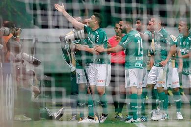 Palmeiras y Santos ganan y ahora esperan el revés del Corinthians