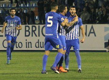 1-0. La Ponferradina ahoga sus penas en la Copa y sorprende al Villarreal