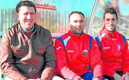 José Luis Vidal Castro ´Selu´ (centro), a la izquierda de Diego Román, del que fue su segundo.