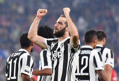 Higuaín y Dybala guían al Juventus, Suso al Milan y Mertens al Nápoles
