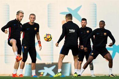 El Barcelona viaja a Bilbao sin Iniesta, pero con Jordi Alba