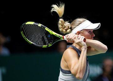 Garcia remonta ante Wozniacki y depende de Svitolina para pasar a semifinales