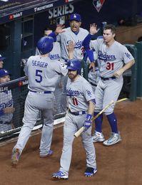6-2. Pederson surge con un bate explosivo y los Dodgers destrozan a los Astros