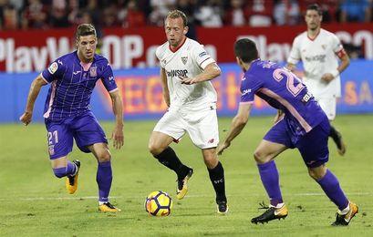 La plantilla del Sevilla se centra en la trascendental cita del miércoles